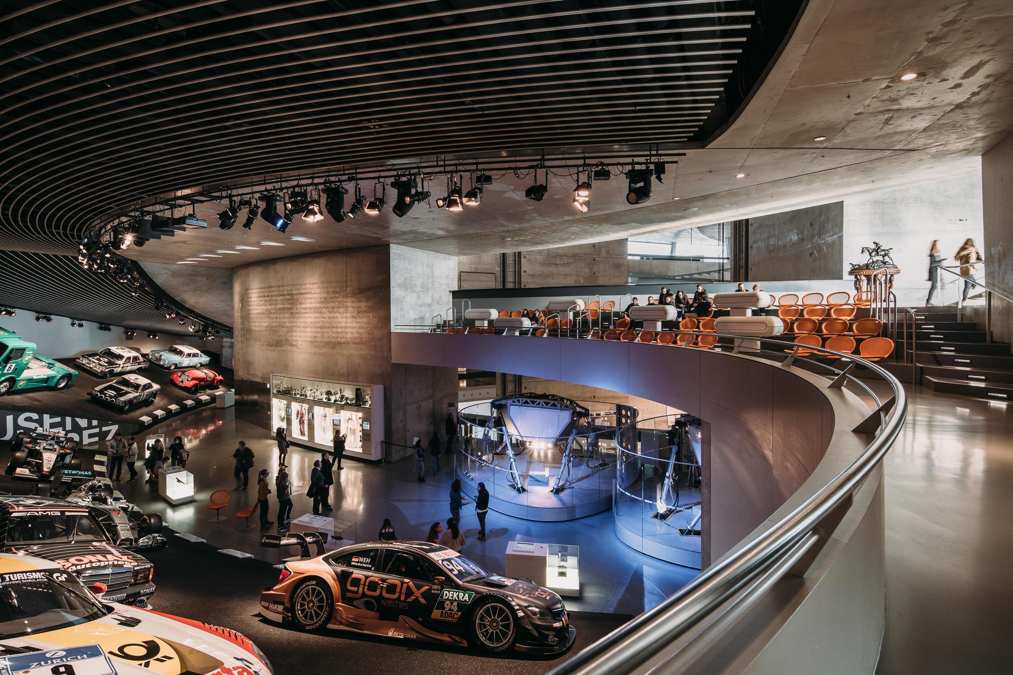 Mercedes benz museum unstudio for Interio stuttgart